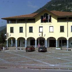 Cene, Municipio 1